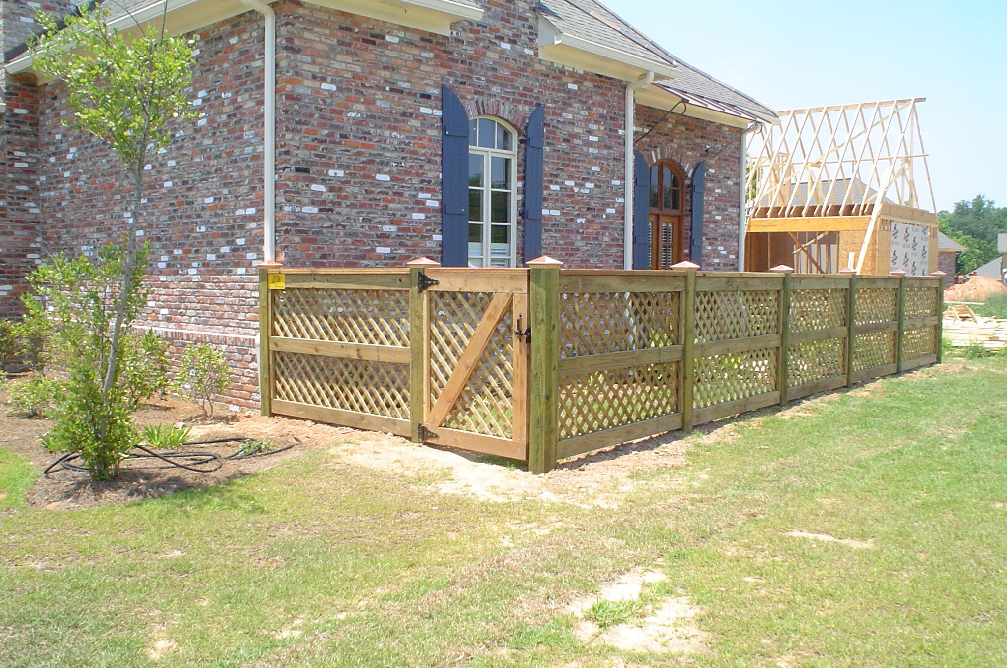 35 Amazing Backyard Fence for Dogs - Home, Family, Style ...